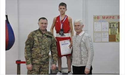 Бердские боксеры успешно выступили сразу на двух областных турнирах