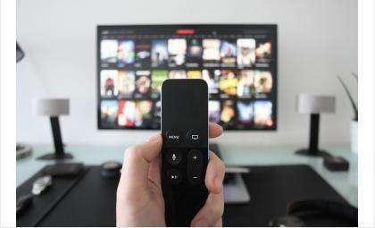 Переходить на цифровое ТВ пожилым людям в регионе помогают волонтеры