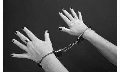 Суд приговорил женщину к 9 годам колонии