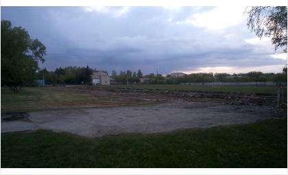 На стадионе снесли все старые конструкции