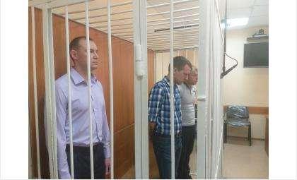 Подсудимые взяты под стражу в зале суда
