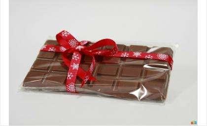 20 тысяч в плитке шоколада – приставу в Советском районе давали взятку