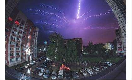 Шквалистый ветер и грозы ожидаются в Бердске
