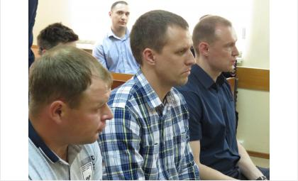 Бывшие полицейские Богдан Кравчук, Иван Мощенко и Алексей Зорин на скамье подсудимых