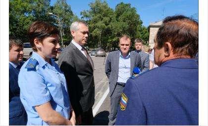 Выездное совещание властей региона на ул. Залесского в Новосибирске