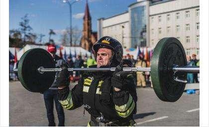 В 2017 году силовое многоборье сотрудников МЧС прошло в Иркутске