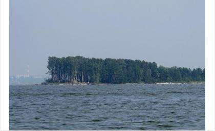 На водоёмах близ Бердска достаточно островов, которые манят отдыхающих