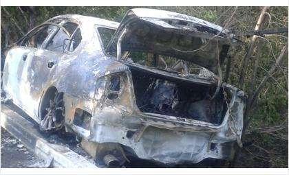 Сгорел «Субару Легаси» с киргизскими номерами в зоне отдыха в Бердске