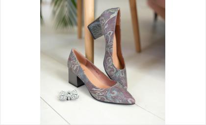 Обувь по суперценам можно приобрести в салонах «Под каблуком»!