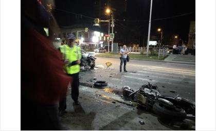 Ночью погиб мотоциклист в лобовом ДТП с «девяткой» в центре Бердска
