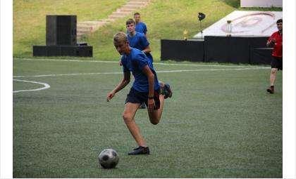 Футболисты из Бердска со счетом 9:1 обыграли олимпийскую команду юных геологов
