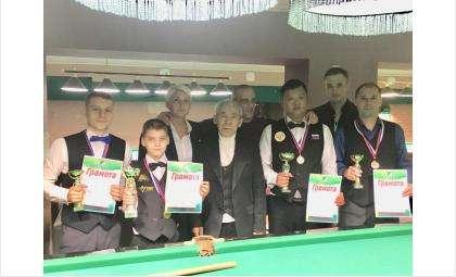В бильярдном турнире на Кубок главы Бердска победил 11-летний Никита Осипов