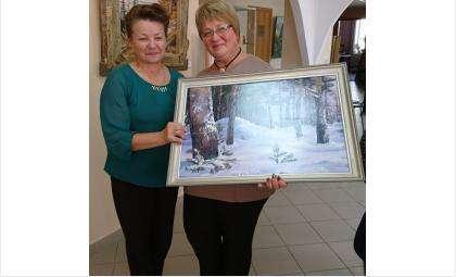 Любовь Устюжанина презентует свои картины