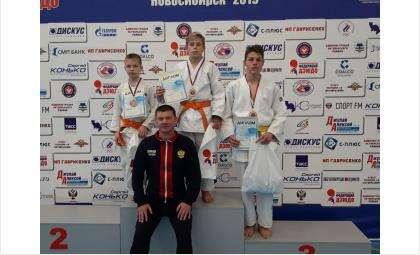 Бронзовые медали получили дзюдоисты из Бердска на соревнованиях им. Пименова