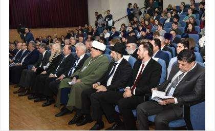 Вопросы национального единства рассмотрены на конференции «Государство, Общество и Церковь»