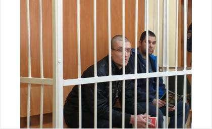Станислава Белоусова и Дмитрия Фурсова привезли в суд Бердска