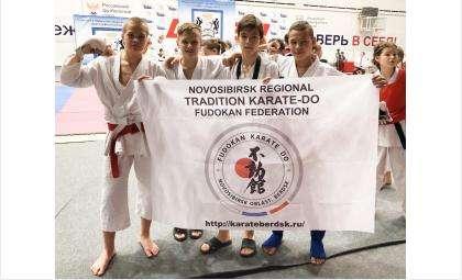 В Бердске прошёл чемпионат и первенство СФО по всестилевому каратэ