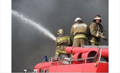 Задохнулся в дыму на пожаре сторож СТО «Галактика» в Бердске