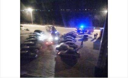 Вторую ночь к общежитию приезжают пожарные машины
