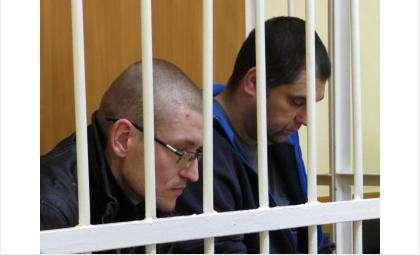 Станислав Белоусов (на фото - слева) и Дмитрий Фурсов (на фото - справа) готовились к преступлению