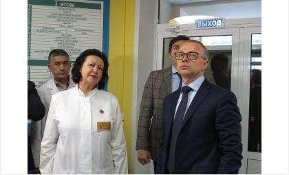 Главврач БЦГБ Алла Дробинская рассказала о новом проекте вице-губернатору Юрию Петухову