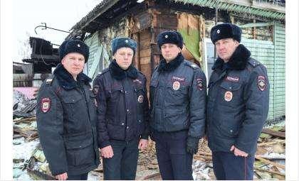 Благодаря героизму сотрудников полиции, люди остались живы