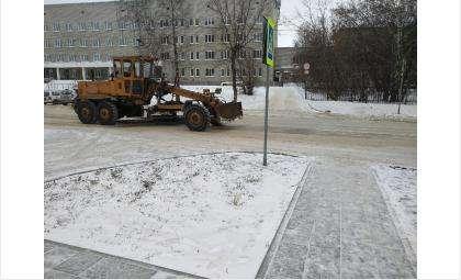 Дорожная техника работает на улицах города