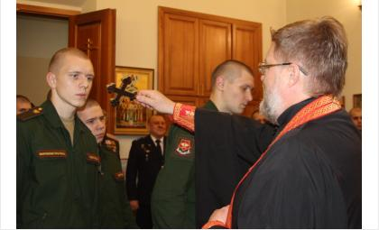 В часовне Дома офицеров Новосибирского гарнизона прошел молебен в честь юбилея храма