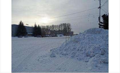 В прошлом году на площади вместо ёлки был снегоотвал