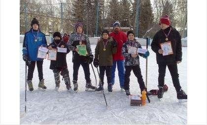 Рождественский блиц-турнир по хоккею среди дворовых команд состоялся в Бердске