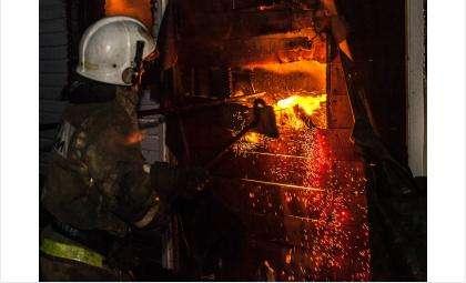 Пожарные ликвидировали возгорания
