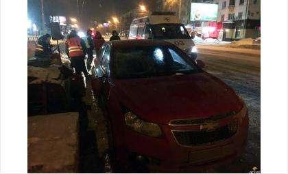 Сбитого дорожника увезли в больницу с переломами