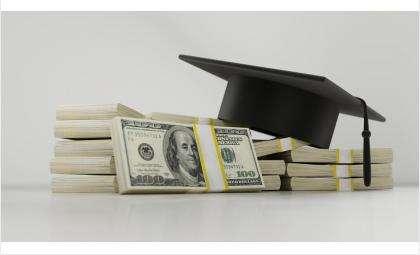 """""""Умельцы"""" готовы за деньги подделать любой диплом"""