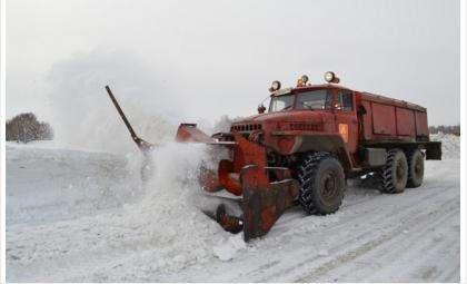 Непрерывно в период снегопада техника работает на областных трассах