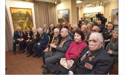 23 ветерана первыми получили юбилейные медали