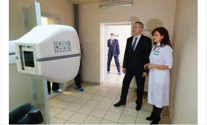 Андрей Травников в областном госпитале ветеранов