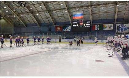 Особенные спортсмены выходят на лёд вместе со здоровыми хоккеистами