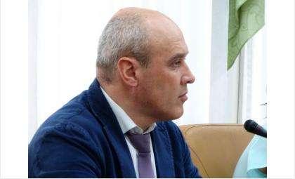 Замдиректора управления образования Михаил Кракавин