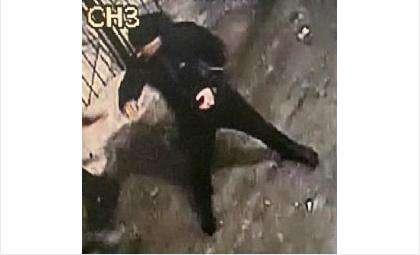 Высокий мужчина возрастом 35-40 лет подозревается в убийстве