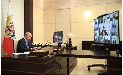 Владимир Путин выступил на совещании о ситуации в системе образования