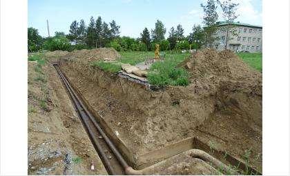 Крупный ремонт аварийной теплотрассы начался у роддома в Бердске