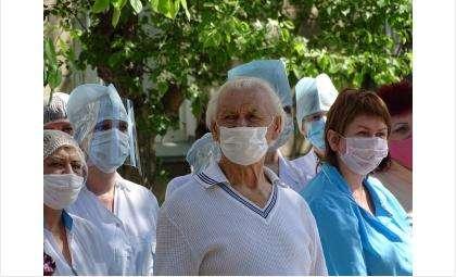 О соблюдении масочного режима из-за COVID-19 в Новосибирской области напомнил минздрав