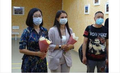 Гуманитарную помощь на 1 млн рублей для борьбы с COVID-19 Бердску привезли из Китая