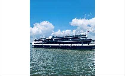 Рейс по Обскому водохранилищу под шелест волн и освежающий бриз — это отдых для души