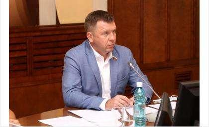 Председатель комиссии Заксобрания области по наказам избирателей Дмитрий Козловский