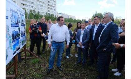 Глава региона провел выездное совещание на площадке строительства новой поликлиники №22 в Кировском районе
