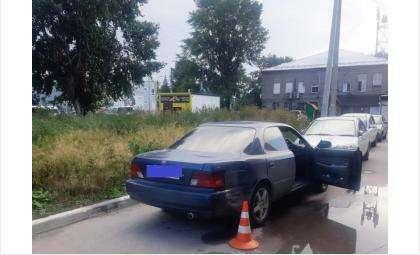 Врезался в «Тойоту» во дворе и скрылся неизвестный водитель в Бердске