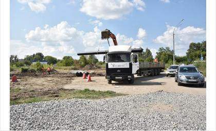 Ход строительства дороги проинспектировали представители Правительства области и депутатского корпуса