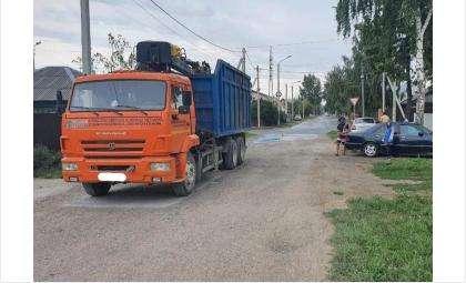 За рулём грузовика находился 57-летний водитель