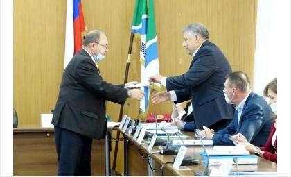 Андрей Никулин (на фото справа)